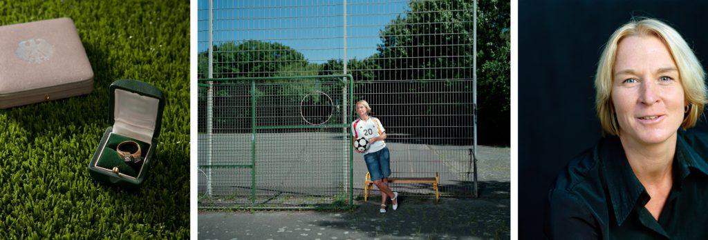 """Für die """"Pionierinnen""""-Ausstellung konnte ich Martina Voss-Tecklenburg auf dem Schulhof der Gesamtschule Meiderich in Duisburg fotografieren. Mit 5 Jahren klettert mit ihrem Brüdern über den Zaun in den Schulhof um Fußball zu spielen. Im Schwimmbad entdeckt sie ein Vereinstrainer, doch erlaubte die Mama der """"zarten Martina"""" zunächst nicht ihrer Leidenschaft nachzugehen. Mit 15 Jahren wurde sie mit KBC Duisburg zum ersten Mal den DFB-Pokal und zwei Jahre später die """"Deutsche Meisterschaft"""". Für ihre sportlichen Erfolge erhielt die 126 - fache Rekordnationalspielerin die höchsten sportlichen Auszeichnung , das """"Silbernen Lorbeerblatt""""."""