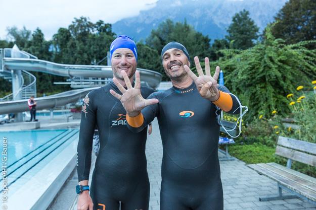 Voller Zuversicht : Stefan Chares mit Mark Hohe-Dorst vor dem Schwimmstart
